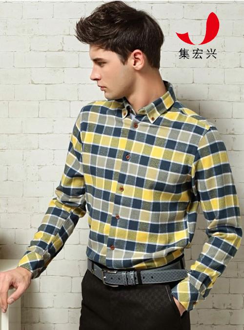黄格子衬衣穿着搭配图